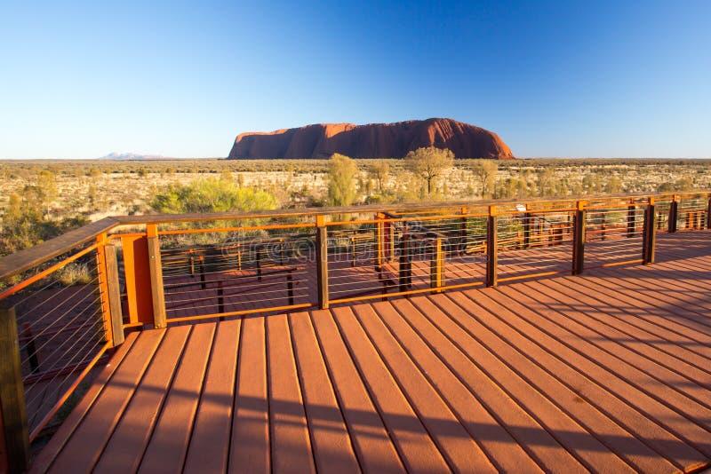 Uluru ad alba immagine stock