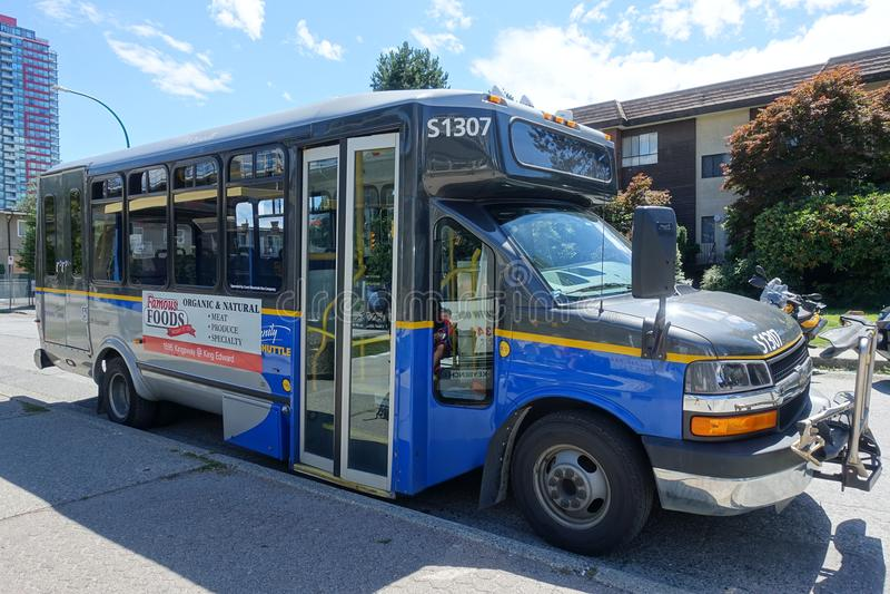 Um ônibus do transporte público em Burnaby fotografia de stock royalty free