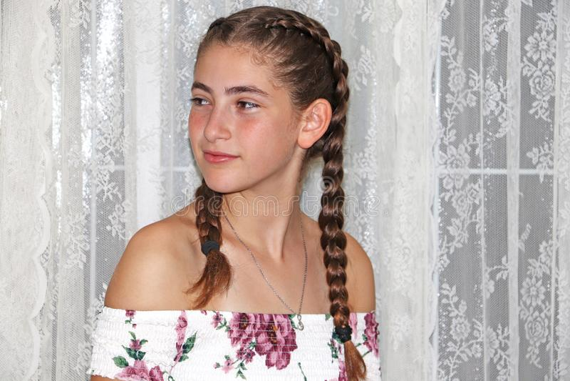 Um adolescente bonito que smilling fotografia de stock royalty free