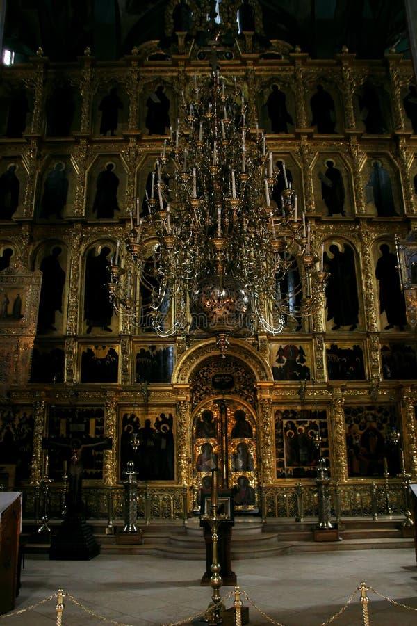 Um altar antigo na catedral da suposição fotos de stock royalty free