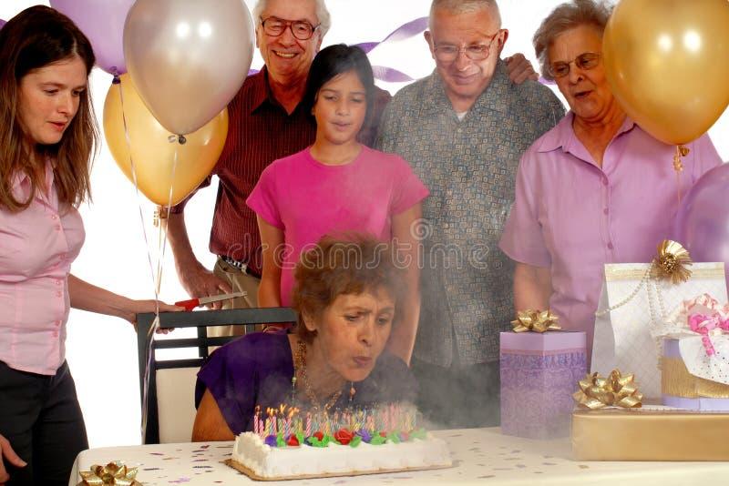 Um aniversário do incêndio e do fumo foto de stock