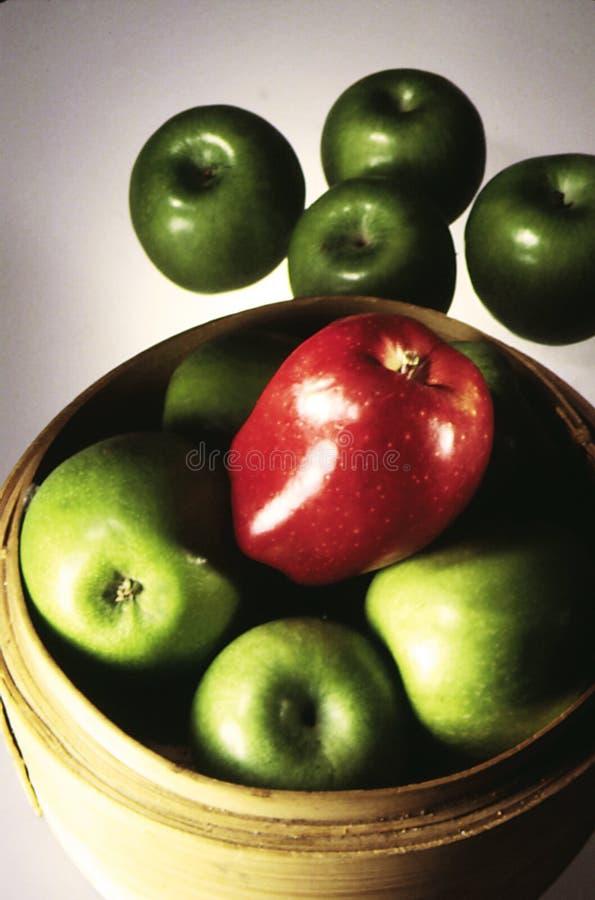 Download Um Apple vermelho imagem de stock. Imagem de maçã, maçãs - 61283