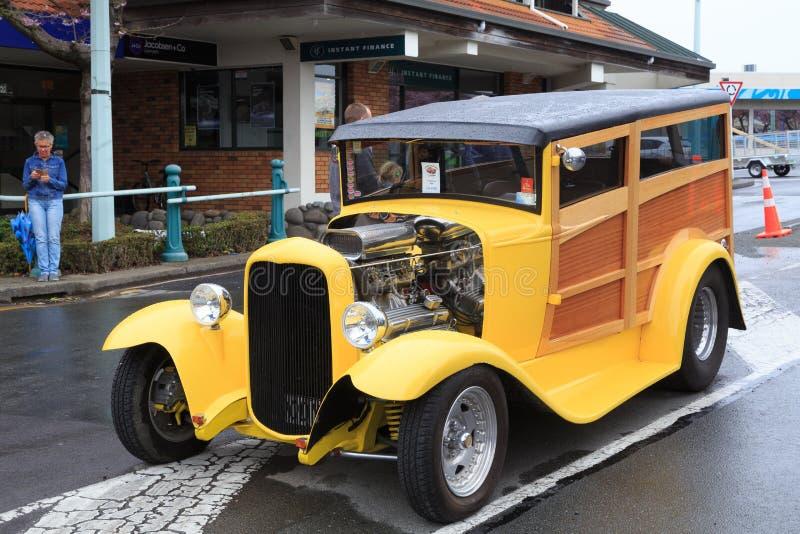 Um ` arborizado do hot rod e do ` de Ford Model A fotografia de stock royalty free