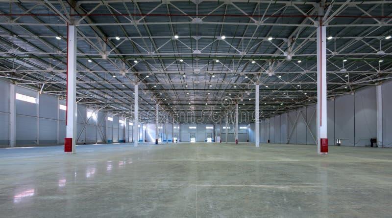 Um armazém grande da fábrica fotografia de stock