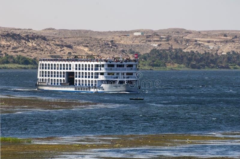 Um barco de Nile Cruise do rio imagem de stock