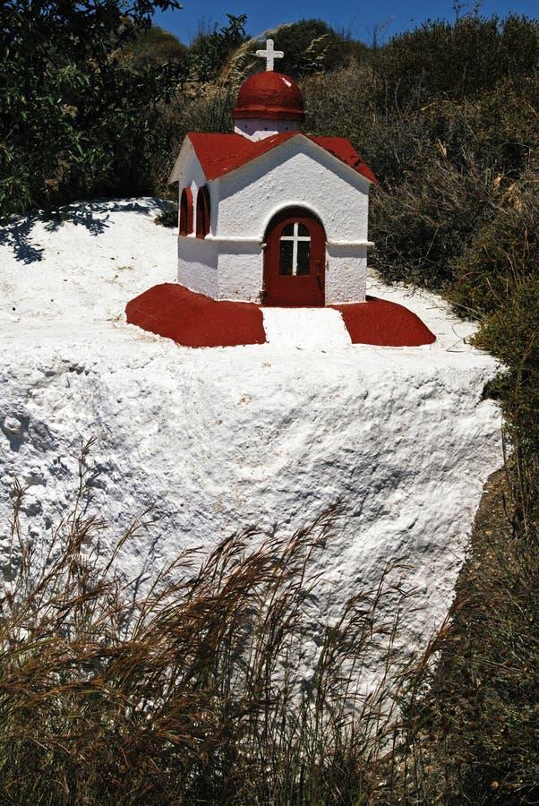 Um bonito igreja-como, réplica da pequena escala para a iluminação da vela na ilha de Kos imagens de stock