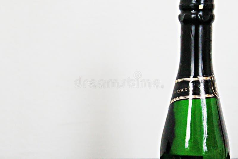 Um bootle do champanhe foto de stock