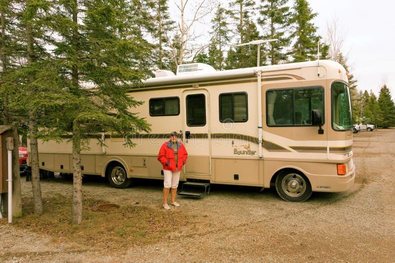 Um bounder suportou em um acampamento imagens de stock royalty free
