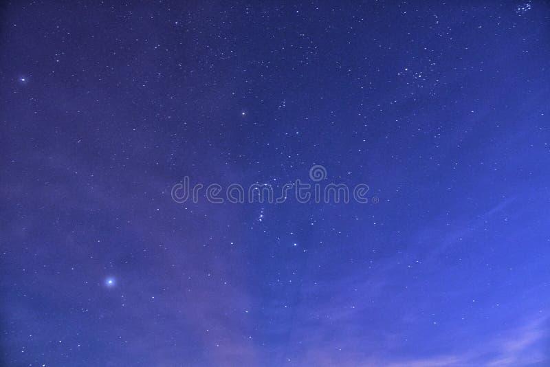 Um céu completamente do starsfotografia de stock