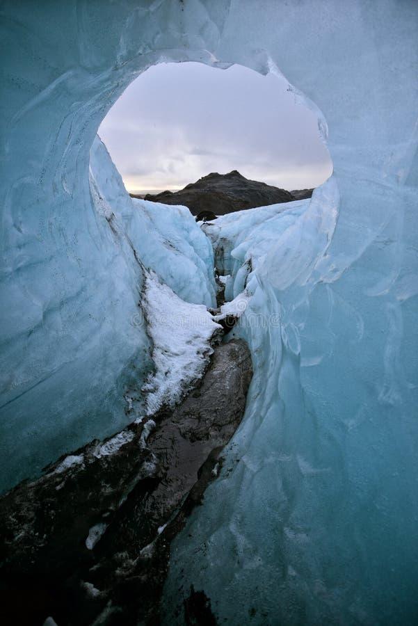 Um círculo na geleira em Islândia imagem de stock royalty free