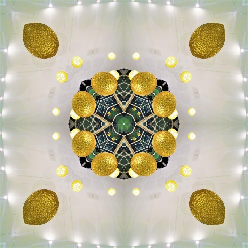 Um caleidoscópio das fotos é um elemento do design de interiores Arquitetura Bolas douradas, luzes Verde, grade Tendências, estil fotos de stock royalty free