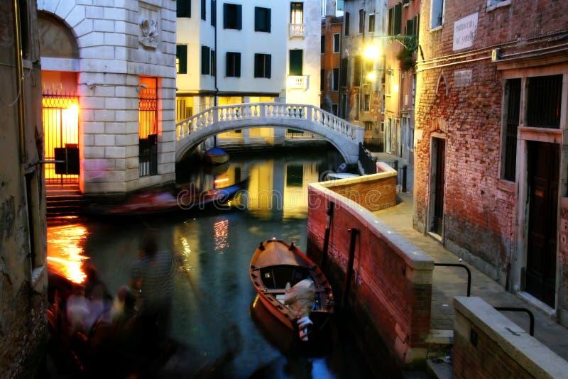 Um canal venetian imagens de stock