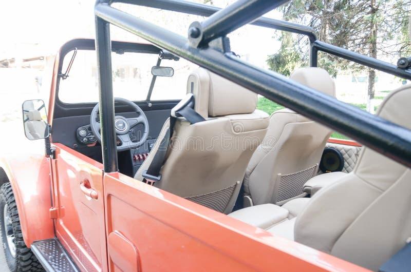 Um carro com parte superior aberta foto de stock