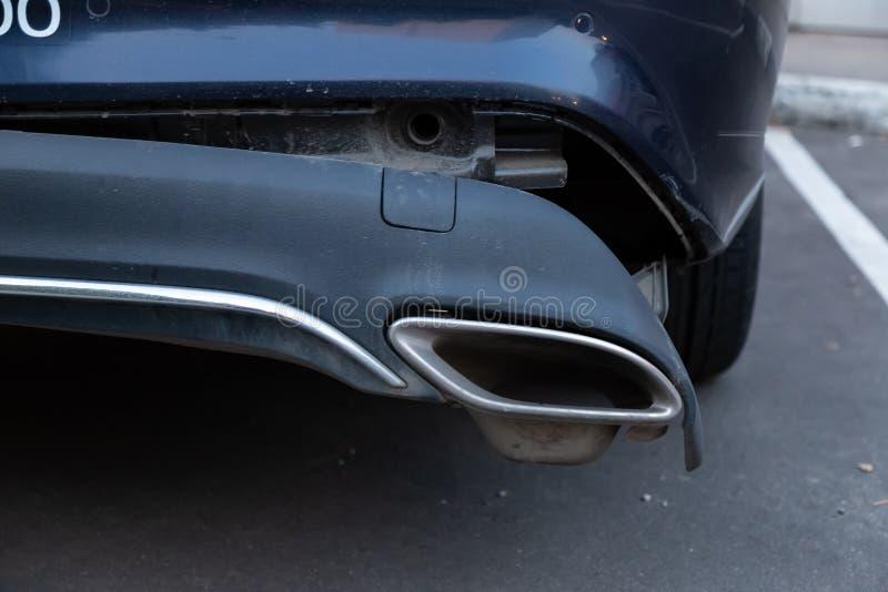 Um carro Mercedes Benz do CLA 200 do ` do carro de Belka do ` da empresa da partilha de carro no estacionamento do pedágio O amor foto de stock royalty free