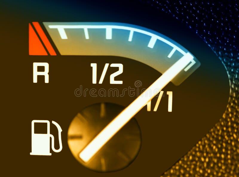 Um close up de um combustível do carro fotos de stock