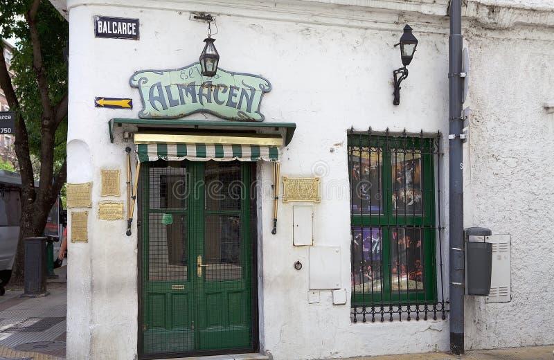 Um clube do tango no distrito de San Telmo em Buenos Aires, Argentina fotos de stock