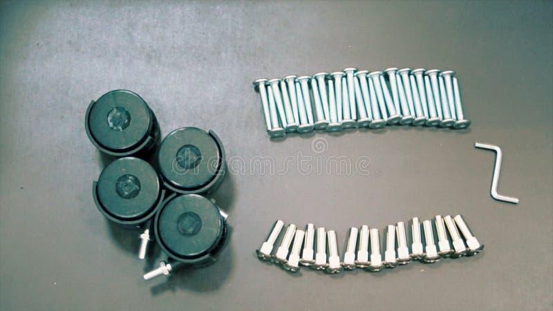 Um conjunto completo de componentes para o conjunto de uma opinião superior da cadeira do escritório imagens de stock