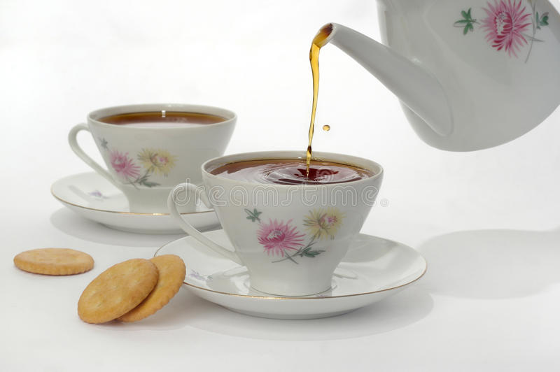 Um copo com chá fotografia de stock royalty free