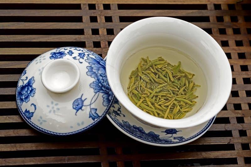 Um copo do chá fotos de stock