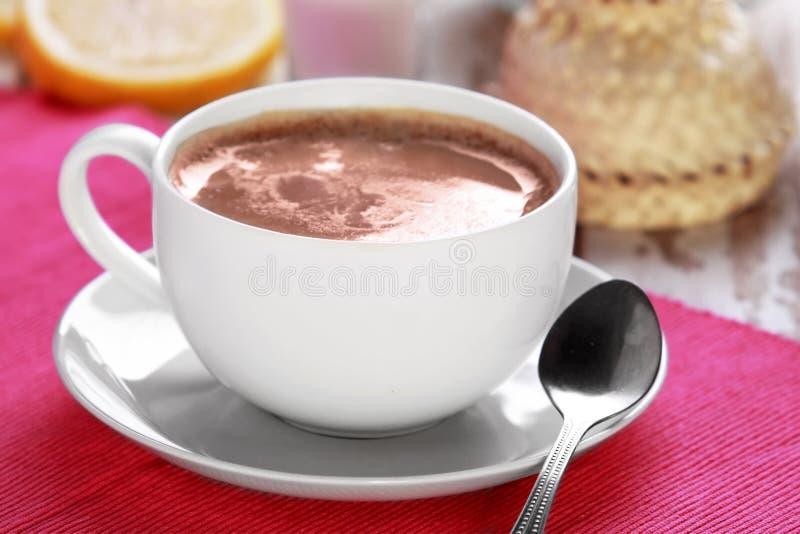 Um copo do chá de chai fotos de stock