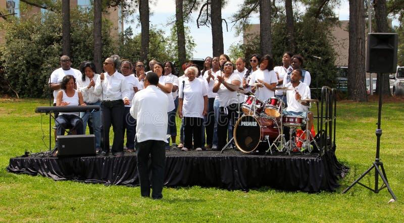Um coro do sul do gospel que executa fora no concerto fotos de stock royalty free