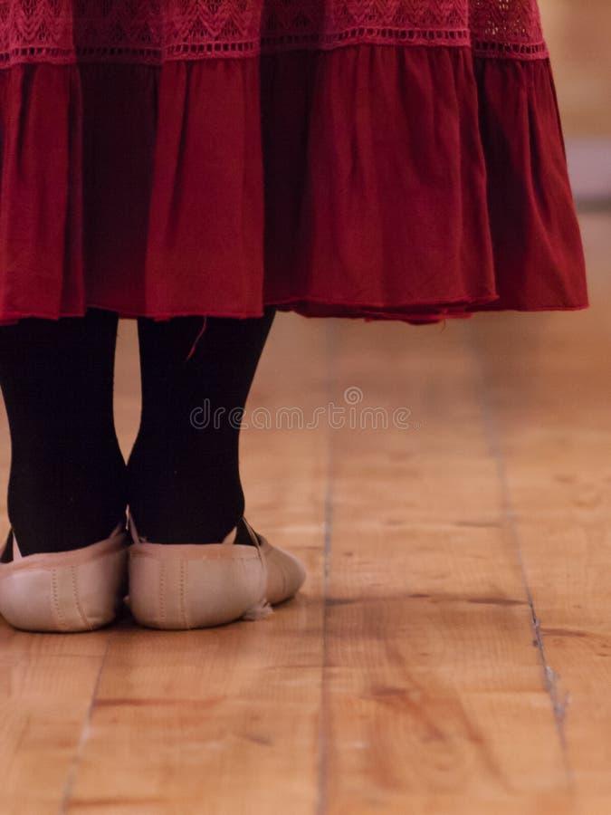 Um dançarino que está em uma escola de dança fotografia de stock royalty free