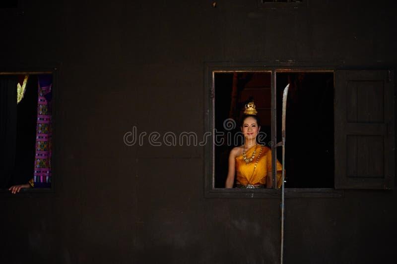 Um dançarino tailandês fotografia de stock