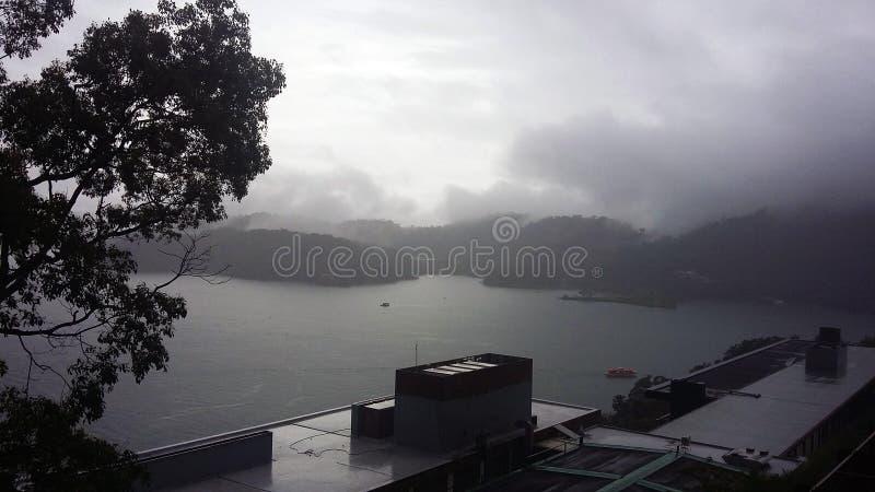 Um do lago o maior na ilha de Formosa fotos de stock