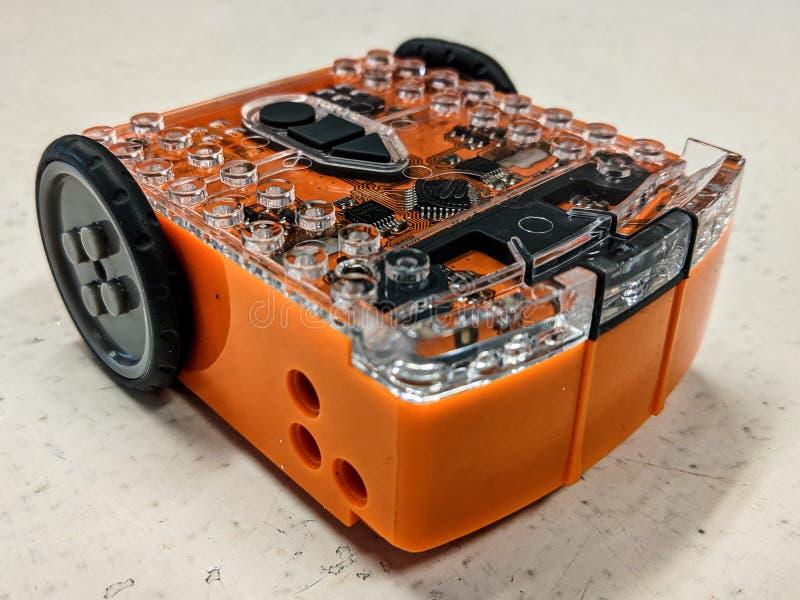 Um editorial ilustrativo de um robô educacional compatível de Lego nomeou Edison imagem de stock