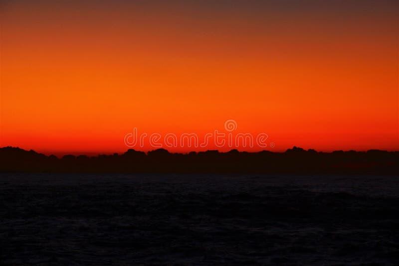Um espetáculo fantástico o nascer do sol fotografia de stock