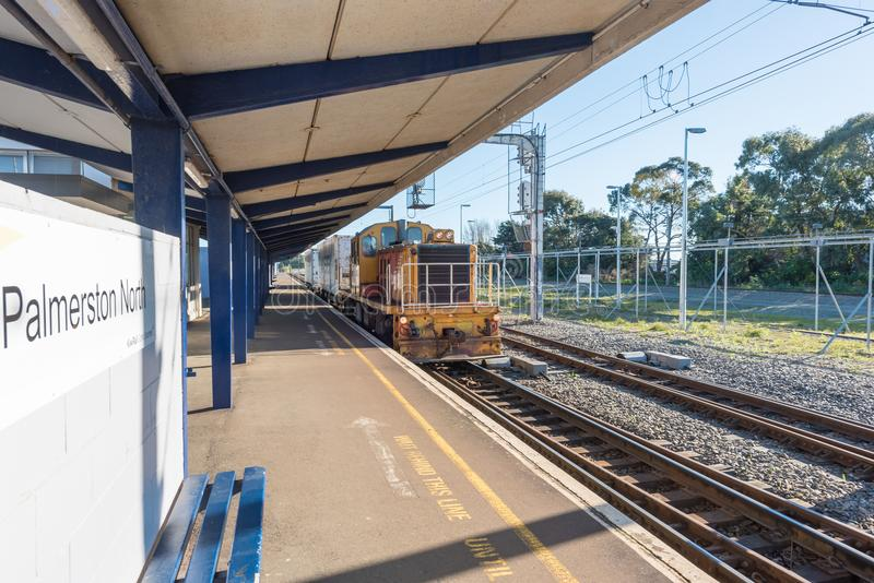 Um estação de caminhos-de-ferro vazio em Palmerston Nova Zelândia norte imagens de stock royalty free