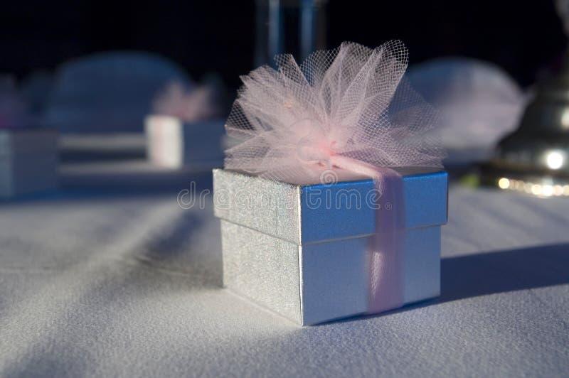 Um favor encantador do casamento fotografia de stock