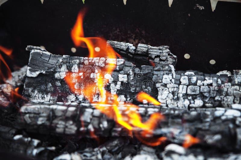 Um fogo quente vívido O conceito do lazer imagem de stock royalty free