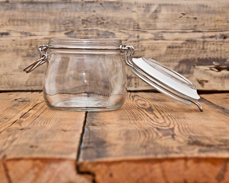 Um frasco de vidro vazio fotografia de stock