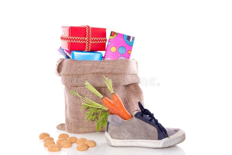 Um giftbag de Sinterklaas imagens de stock royalty free