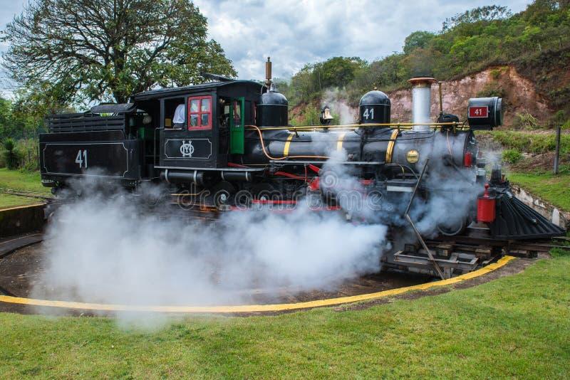 Um grande trem de trabalho velho do vapor imagens de stock royalty free