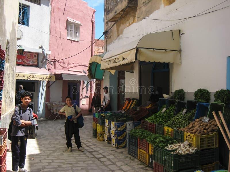 Um greengrocery no Souk. Bizerte. Tunísia imagem de stock