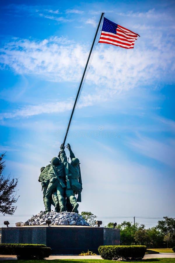 Um grupo colossal da escultura de valentia infinito em Harlingen, Texas imagem de stock royalty free