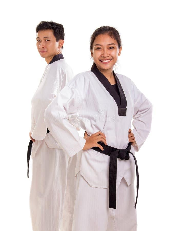 Um grupo de artistas marciais em seus uniformes fotografia de stock