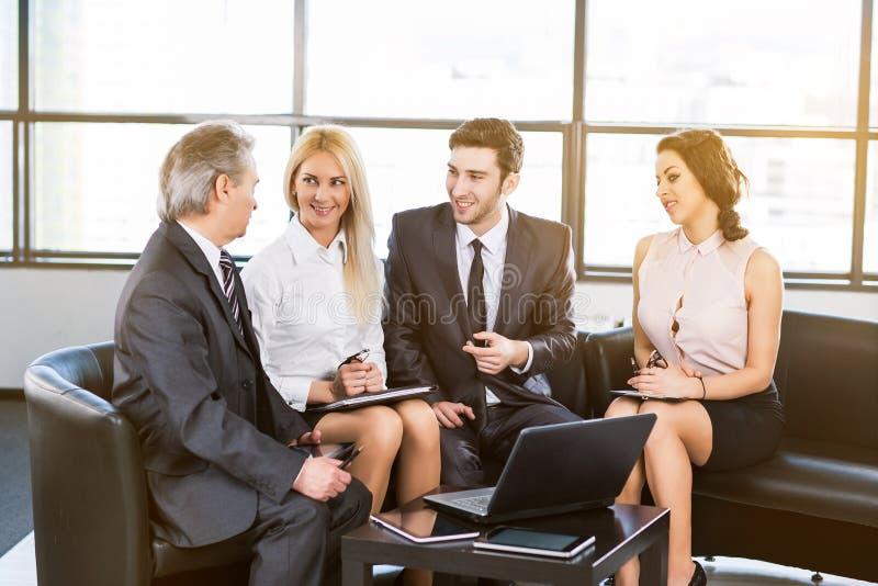 Um grupo de homens de negócios imagem de stock royalty free