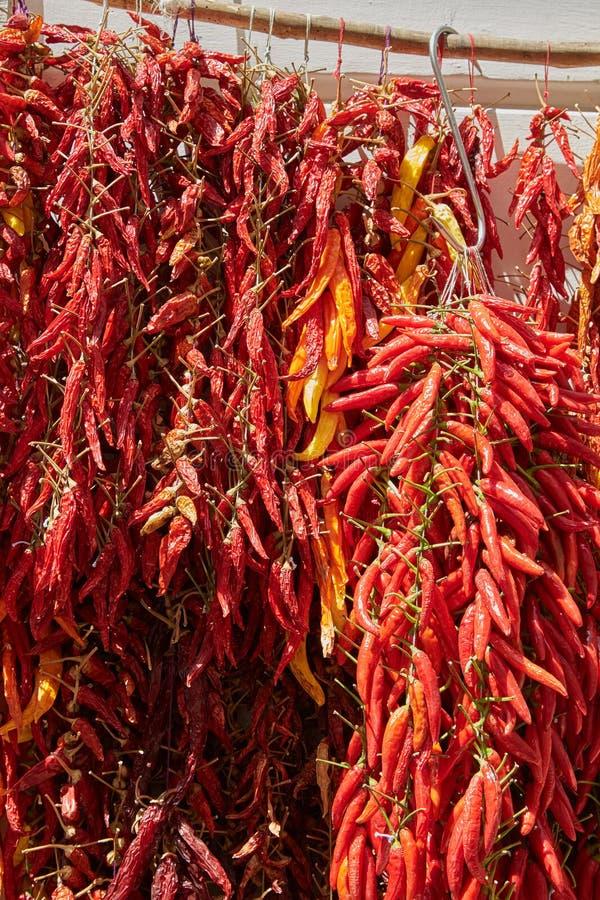 Um grupo de pimentas de pimentão vermelho imagens de stock royalty free