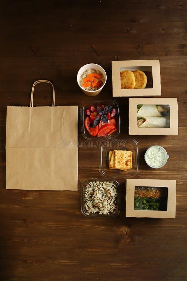 Um grupo de produtos dietéticos para a entrega a domicílio foto de stock