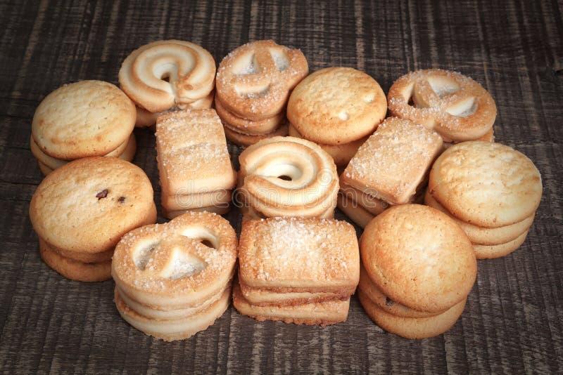 Um grupo de variedades de cookies caseiros para os feriados. imagem de stock royalty free