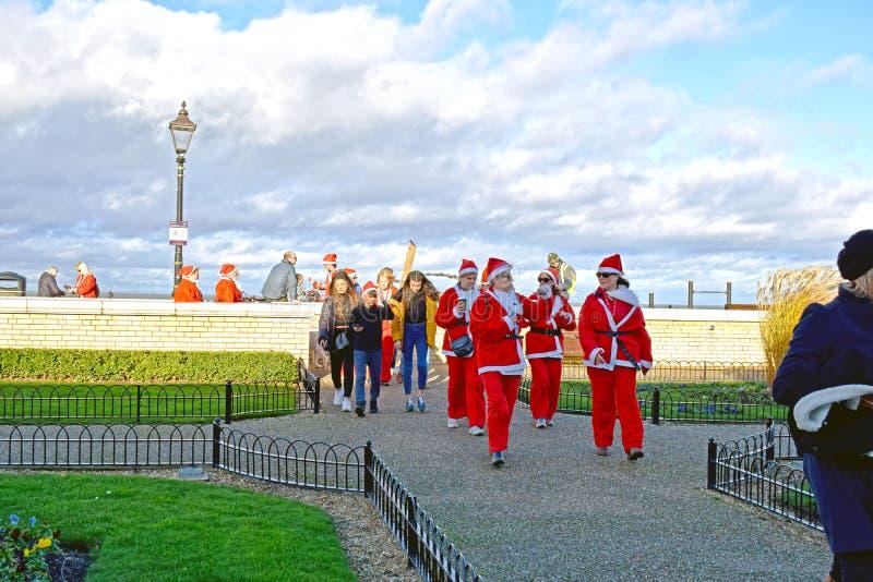 Um grupo do título do Natal do pai longe do lado de mar foto de stock royalty free
