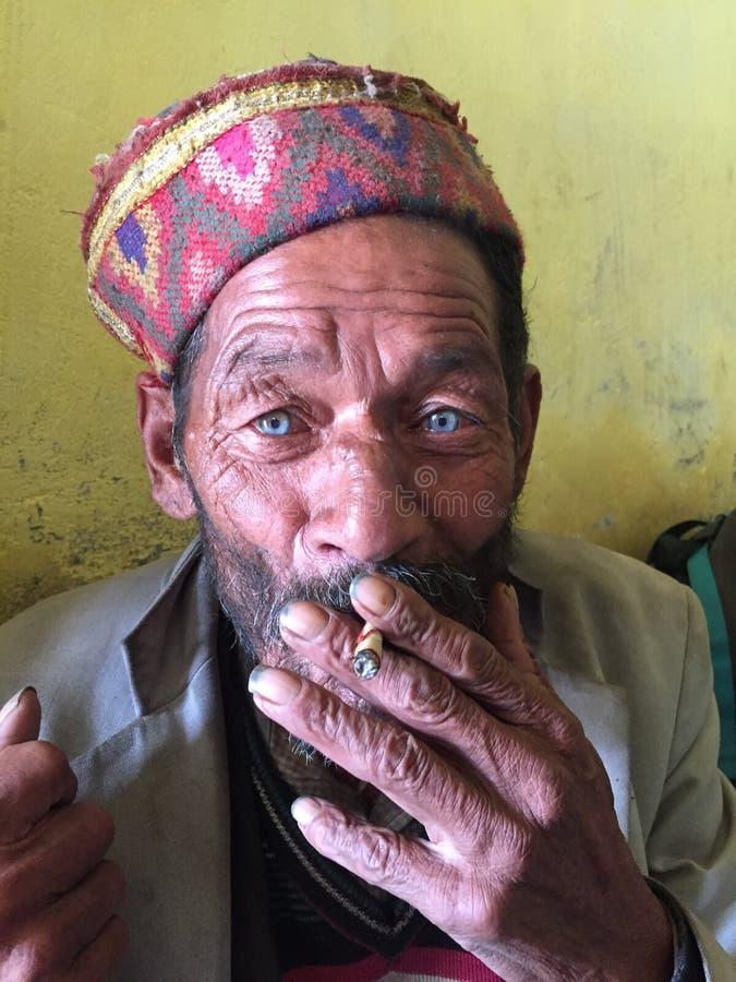 Um homem da vila da Índia imagens de stock royalty free