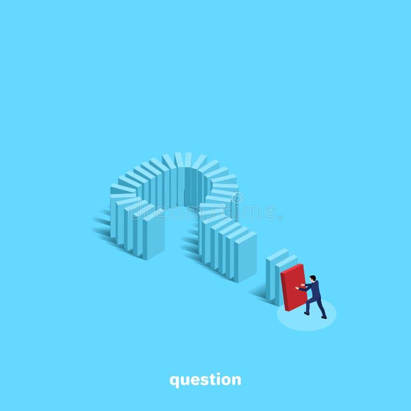 Um homem em um terno de negócio empurra um dominó construído sob a forma de um ponto de interrogação ilustração royalty free