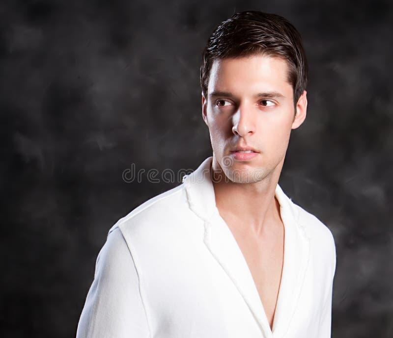 Um homem europeu na moda fotos de stock