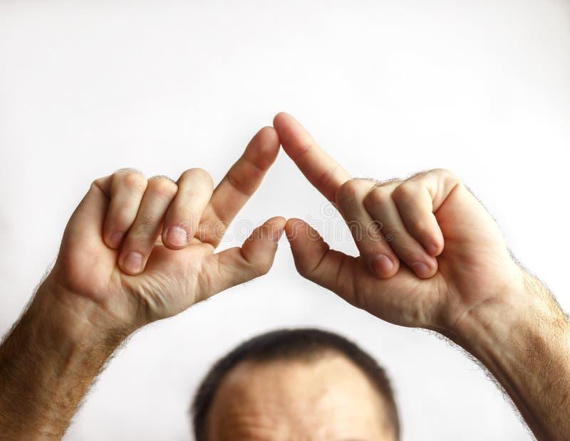 Um homem mostra o coração imagem de stock royalty free