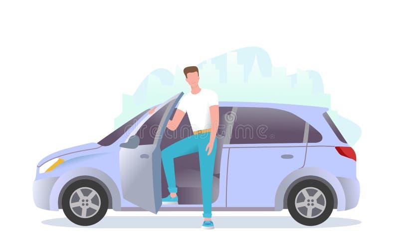 Um homem novo está estando ao lado do carro Um indivíduo está obtendo no carro foto de stock