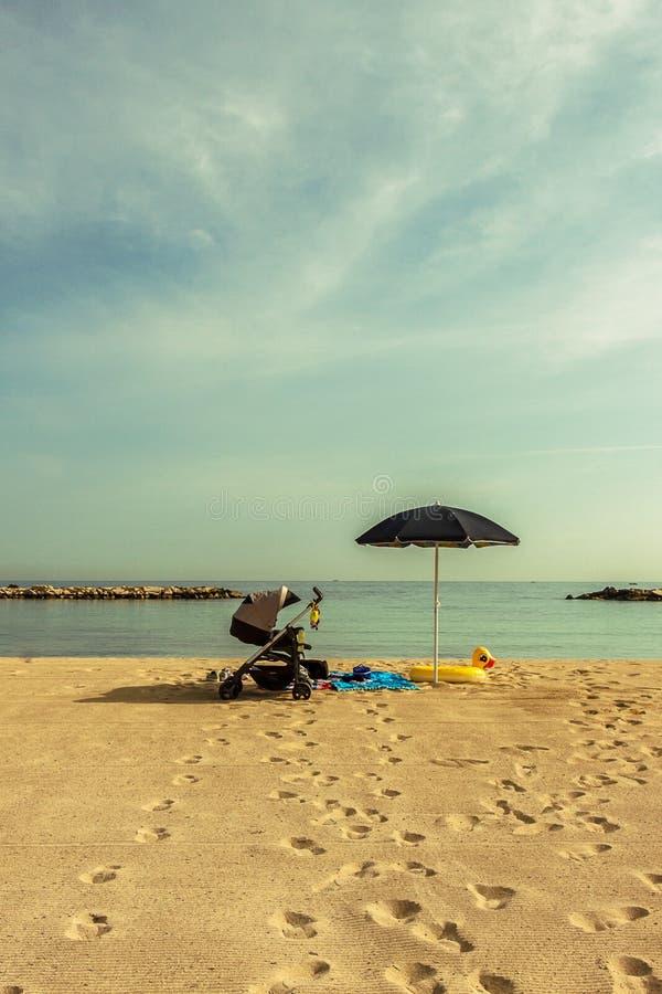 Um horizonte azul fotos de stock royalty free